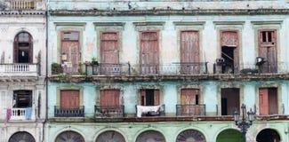 Corra abaixo do apartamento velho em Cuba Imagem de Stock Royalty Free