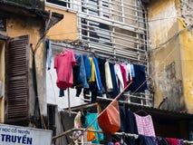 Corra abajo de casa en el viejo cuarto de Hanoi Fotografía de archivo libre de regalías