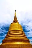 Correa de Phu Khao (pagoda de oro de la montaña) Imagen de archivo