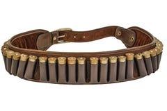 Correa y bandolera, cartuchos de la munición de la munición del rifle del cazador dentro Aislado Brown cubre con cuero, los jefes Foto de archivo