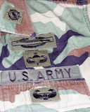 Correcciones del uniforme del veterano del combate del Ejército del EE. UU. Fotografía de archivo libre de regalías