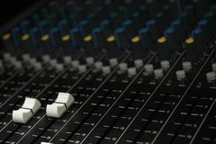 Correcte de mixerfaders van de PA royalty-vrije stock fotografie