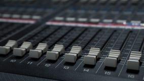Correcte Mixer in de Controlekamer van TV stock fotografie