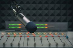 Correcte Mixer en microfoon stock foto's