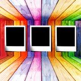 Corrediça da foto em um quarto de madeira colorido Fotos de Stock