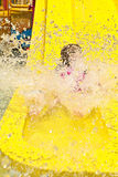 Corrediça do parque da água com respingo Fotos de Stock Royalty Free