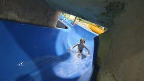 Corrediças no parque da água filme