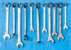 Corredo della chiave di vite metallica di lerciume regolabile con il blu sporco b Fotografia Stock Libera da Diritti