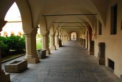 Corredor arqueado, Novara, Itália imagens de stock