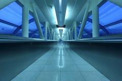 Corredor central do aeroporto em Dubai Fotografia de Stock Royalty Free