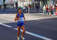 Corredor de maratón japonés Eri Hayakawa que funciona con a Berlin Marathon 2013 Fotos de archivo
