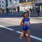 Corredor de maratón japonés Eri Hayakawa que funciona con a Berlin Marathon 2013 Imágenes de archivo libres de regalías