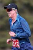 Corredor de maratona masculino superior Fotos de Stock Royalty Free