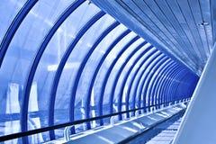 Corredor de vidro azul Imagem de Stock
