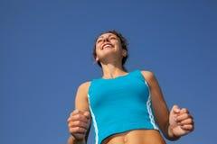 Corredor desportivo da mulher, vista de abaixo foto de stock royalty free