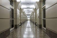 Corredor em um hospital moderno Fotografia de Stock Royalty Free