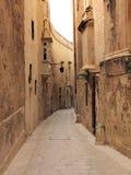 Corredor maltês tradicional (Triq San Pietru, Mdina) Fotos de Stock