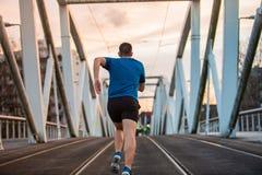 Corredor masculino do atleta, exercitando dentro imagem de stock