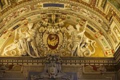 Corredor no museu do Vaticano em Cidade Estado do Vaticano, Vaticano imagens de stock
