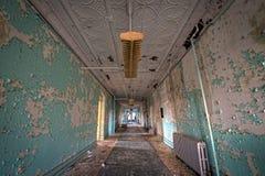 Corredor sujo em Hudson River State Hospital Fotos de Stock Royalty Free