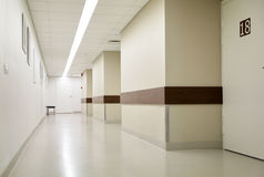 Corredor vazio do hospital Imagens de Stock Royalty Free