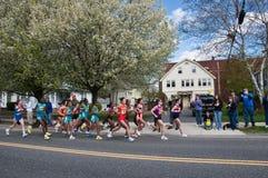 Corredores 2010 da fêmea da elite da maratona de Boston Imagem de Stock Royalty Free