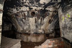 corredores abandonados da base soviética do lançamento do foguete do cargo em latvia imagem de stock royalty free