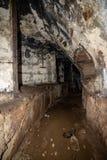 corredores abandonados da base soviética do lançamento do foguete do cargo em latvia imagem de stock