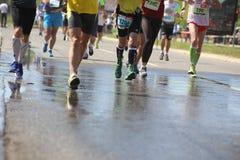 Corredores de las piernas durante la raza Foto de archivo