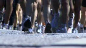 Corredores de maratona vídeos de arquivo