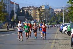 Corredores de maratona de Sófia Imagens de Stock