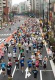 Corredores en el maratón de Tokio. Fotografía de archivo libre de regalías