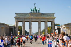 Corredores na maratona de Berlim Imagens de Stock
