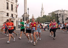 Corredores na meia maratona dos parques reais, Londres Foto de Stock Royalty Free
