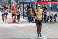 Corredores que participan en los camaradas Marathon en Suráfrica Foto de archivo