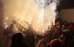 Correfoc im palma während der lokalen Gönnerfestlichkeiten Heiligsebastians lizenzfreie stockfotos