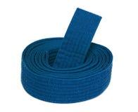Correia Coiled do azul do karaté fotografia de stock