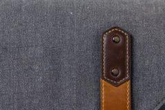 Correia de couro velha na bagagem Fotografia de Stock Royalty Free