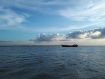 Correndo con le nuvole, munshiganj, Bangladesh Fotografia Stock