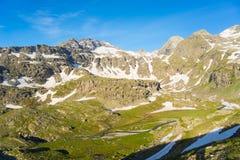 Corrente alpina di elevata altitudine nell'estate Immagini Stock