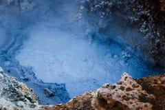 Corrente calda ad area geotermica in Islanda Immagini Stock Libere da Diritti