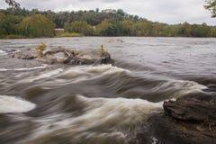 Corrente dell'acqua, il fiume Potomac Fotografia Stock