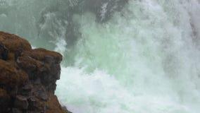 Corrente della cascata della montagna archivi video