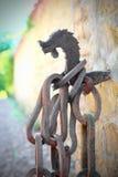 Corrente e gancho da origem medieval, o conceito da obrigação, ligação, shackling Foto de Stock Royalty Free