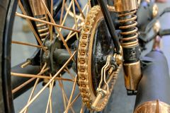 Corrente na roda da motocicleta Foto de Stock Royalty Free