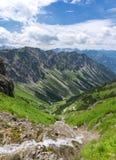 Corrente nelle montagne Immagine Stock