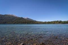Correntoso See - Landhaus-La-Angostura, Patagonia, Argentinien Lizenzfreie Stockfotos