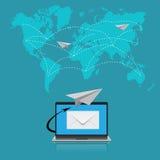 Correo electrónico, comunicación, ejemplo del vector en el diseño plano para los sitios web, diseño de Infographic Imagen de archivo