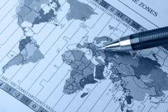 Correspondencia y pluma de mundo Imagen de archivo libre de regalías