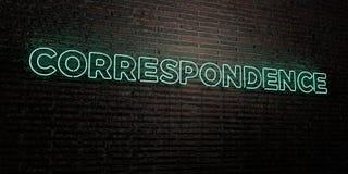 CORRESPONDENTIE - Realistisch Neonteken op Bakstenen muurachtergrond - 3D teruggegeven royalty vrij voorraadbeeld vector illustratie